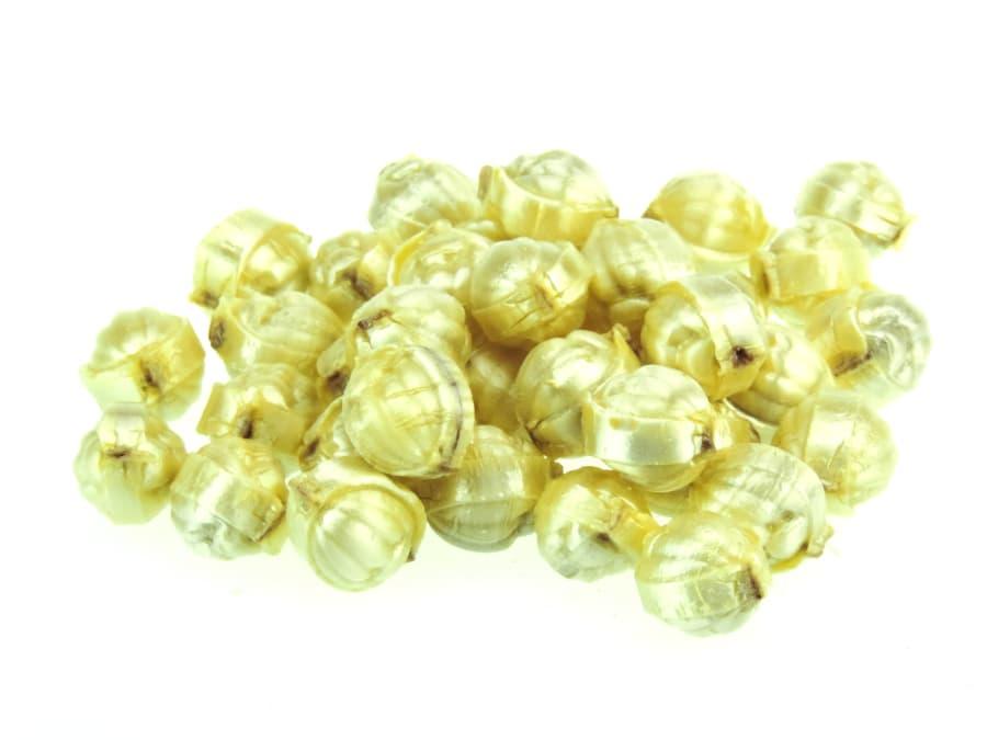 gefüllte Goldnüsse Bonbons in Kugelform von Aromatikus