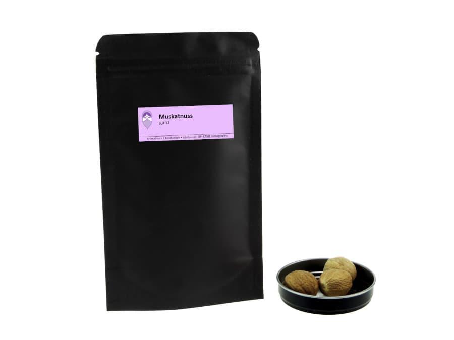 ganze Muskatnüsse von Aromatikus im verschließbaren Nachfüllpäckchen