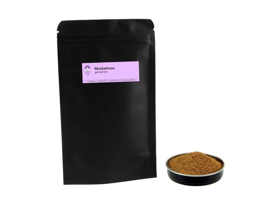 Muskatnüsse gemahlen von Aromatikus im verschließbaren Nachfüllpäckchen