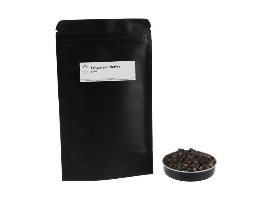 ganzer schwarzer Pfeffer von Aromatikus im verschließbaren Nachfüllpäckchen
