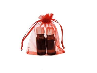 Organzabeutel für bis zu drei ätherische Öle in rot 10x15cm von Aromatikus