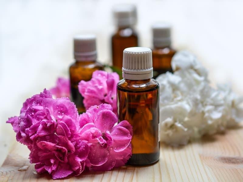 naturreine und parfümierte ätherische Öle von Aromatikus